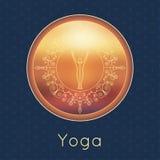 Illustrazione di yoga di vettore Manifesto di yoga con la siluetta degli Yogi e dell'ornamento floreale Progettazione di identità Fotografia Stock