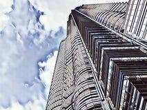 Illustrazione digitale sbiadita grattacielo del centro finanziario Vista moderna alta della costruzione da sotto Immagini Stock