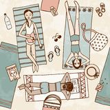 Illustrazione disegnata a mano delle ragazze che raffreddano alla spiaggia Fotografia Stock Libera da Diritti