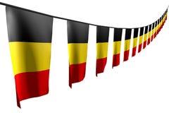 Illustrazione graziosa della bandiera 3d di festività - molte bandiere o insegne del Belgio appende la diagonale con la vista di  illustrazione vettoriale