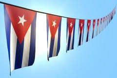 Illustrazione meravigliosa della bandiera 3d di celebrazione - molte bandiere o insegne di Cuba appende la diagonale sulla corda  royalty illustrazione gratis