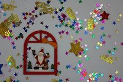 Illustrazione piacevole di Natale su fondo bianco immagini stock