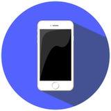 Illustrazione piana dello smartphone bianco, isolata sul blu Immagini Stock
