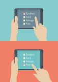 Illustrazione piana di risposte online di servizio di assistenza al cliente Fotografia Stock