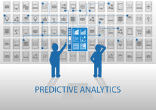 Illustrazione premonitrice di analisi dei dati Due analisti che analizzano il cruscotto di segnalazione Immagini Stock Libere da Diritti