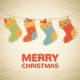 Illustrazione puerile di Natale con le calze variopinte illustrazione di stock
