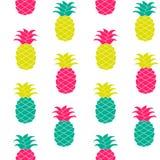 Illustrazione senza cuciture di vettore del modello dell'ananas Disegnato a mano ripetuto per il web, stampa, carta da parati, te Fotografia Stock Libera da Diritti