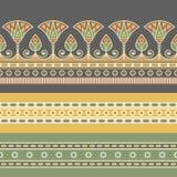 Illustrazione senza cuciture di vettore dell'ornamento nazionale egiziano con un fiore di loto royalty illustrazione gratis