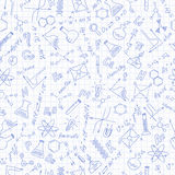 Illustrazione senza cuciture sullo studio su chimica in High School, icone disegnate a mano su fondo nella gabbia Fotografie Stock Libere da Diritti