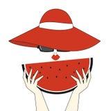 Illustrazione sveglia di vettore con la bella giovane donna con il cappello, gli occhiali da sole e la fetta rossi dell'anguria illustrazione di stock