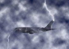 Illustrazione turbolenta enorme del cielo di Jet Plane Struck By Lightning Fotografie Stock Libere da Diritti