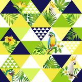 Illustrerade den moderiktiga sömlösa modellen för den exotiska stranden, patchwork blom- tropiska banansidor Djungelkakadua, pape royaltyfri illustrationer