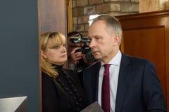 Ilmars Rimsevics, gubernator Środkowy bank Latvia arives konferencja prasowa obrazy royalty free