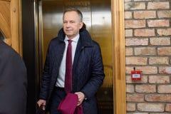 Ilmars Rimsevics, gubernator Środkowy bank Latvia przyjeżdża konferencja prasowa zdjęcia royalty free