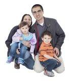 Ils sont des heureux et une famille proche Photo libre de droits