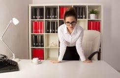 ilsken affärskvinna arkivfoton