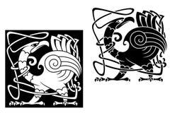 Ilsken fågel i celtic stil Arkivfoton