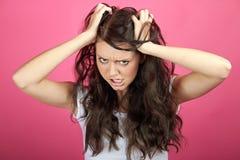 ilsken frustrerad kvinna arkivfoton