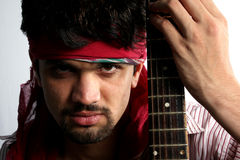 ilsken gitarristindier royaltyfria foton