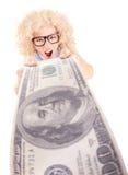 Ilsken kvinna som rymmer hundra dollarbill royaltyfria foton