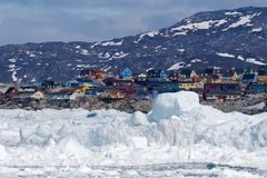 Ilulissat, Greenland, visto do mar Imagens de Stock Royalty Free