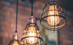 Iluminação da gaiola do metal do teto do vintage imagem de stock royalty free
