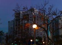 Iluminação da rua da noite fotos de stock royalty free