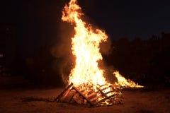 Iluminação das fogueiras no feriado judaico da retardação Baomer Fotos de Stock Royalty Free