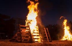 Iluminação das fogueiras no feriado judaico da retardação Baomer Foto de Stock