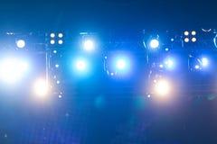 Iluminação Defocused do concerto do entretenimento na fase, bokeh foto de stock royalty free