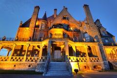 Iluminação do castelo na noite imagem de stock royalty free