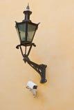 Iluminação e câmera de rua Fotografia de Stock