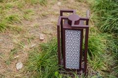 Iluminação exterior da paisagem da luz moderna do jardim da lâmpada do gramado imagens de stock