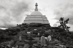 Iluminações de Stupa no Lago Baikal