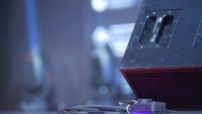 Iluminación azul de la etapa - demostración de trabajo almacen de video