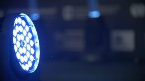 Iluminación azul de la etapa - demostración de trabajo metrajes