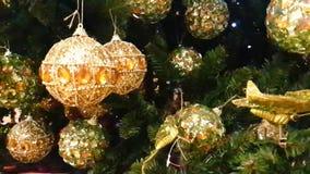 Iluminación brillante del árbol de navidad de Toy Green de la Navidad, textura almacen de metraje de vídeo