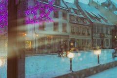 Iluminación coloreada por el Año Nuevo en la ciudad vieja Fotografía de archivo libre de regalías