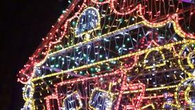 Iluminación colorida de la Navidad Guirnaldas de la Navidad almacen de video