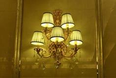 Iluminación cristalina de lujo de la pared fotografía de archivo libre de regalías