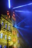 Iluminación de la demostración, fuegos artificiales del ` s del Año Nuevo delante del ayuntamiento en Prostejov Imágenes de archivo libres de regalías