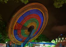 Iluminación de la noche en el parque ciudad de Riviera, Sochi Fotos de archivo libres de regalías