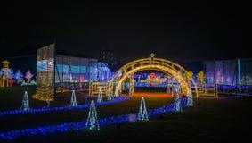 Iluminación de la noche de Osaka Castle la demostración ligera más grande de Osaka Fotografía de archivo