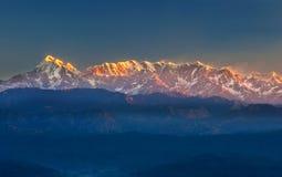 Iluminación de montañas Imagen de archivo libre de regalías