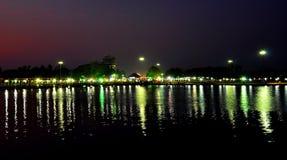 Iluminación de un festival del sivarathri del aluva en Kerala, la India fotos de archivo libres de regalías