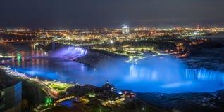 Iluminación en Niagara Falls imágenes de archivo libres de regalías
