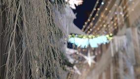 Iluminación festiva y decoraciones de la Navidad metrajes