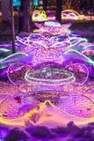 Iluminación hermosa del ` s del Año Nuevo en las calles Fotografía de archivo libre de regalías