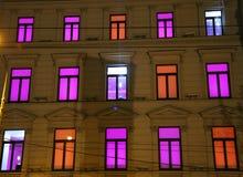 Iluminación interior colorida en las ventanas Imagen de archivo libre de regalías
