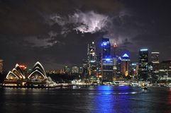 Iluminación sobre Sydney Foto de archivo libre de regalías
